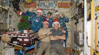 Экипаж МКС встретил Новый год 15 раз за сутки