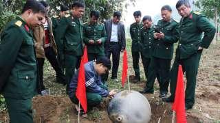 Загадочные металлические шары, упавшие с неба, обеспокоили Вьетнам