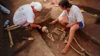 Археологи нашли самые древние останки людей - жертв массового убийства
