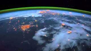 В сети появилось видео грозы с борта МКС