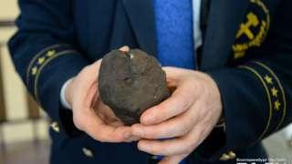 В составе Челябинского метеорита ученые нашли кристалл, похожий на земной алмаз