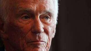 Скончался знаменитый астронавт, который последним побывал на Луне