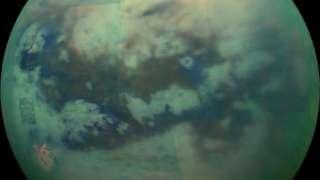 Электрический заряд защищает дюны Титана от ветра