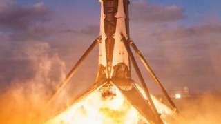 Появилось видео успешной посадки маршевой ступени Falcon 9