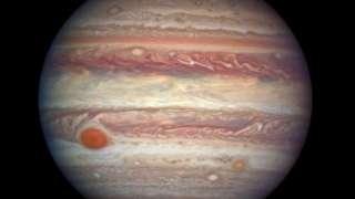 """Телескоп """"Хаббл"""" помог сделать уникальный снимок Юпитера"""