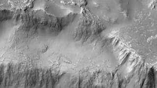 NASA показало фото водопадов из лавы на Марсе