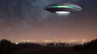 В Канаде жители наблюдали за ярким НЛО в виде ракеты