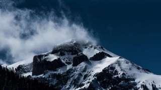 В США на вулкане Адамс обнаружили замороженного пришельца