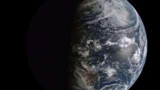 Ученые опубликовали видео с загадочной пересекающей Землю тенью