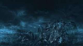 Загадочный НЛО в виде полумесяца шокировал уфологов