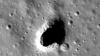 Учёные подыскали место для лунной базы