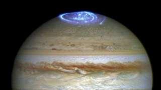 Астрономы заметили необъяснимые вспышки на Южном полюсе Юпитера