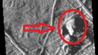 Уфологи обнаружили на спутнике Юпитера обломки НЛО треугольной формы