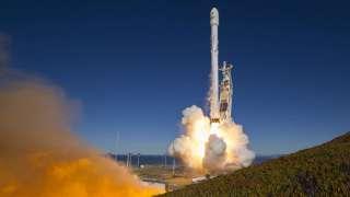 """""""SpaceX"""" начала расследование из-за взрыва ракетного двигателя"""