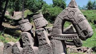 В Гималаях нашли каменное войско