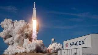 SpaceX будет ловить часть запущенной ракеты гигантской сетью