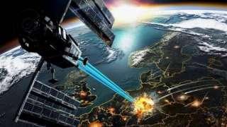Российские секретные спутники начали маневрировать