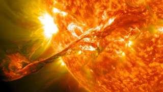 Учёные заявили, что на Солнце нет плазменных торнадо