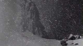 ESA показало захватывающие снимки кометы Чурюмова-Герасименко