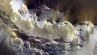 Первые цветные фотографии Марса появились в Сети