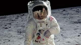 Российский космонавт может впервые полететь к Луне на американском космическом корабле