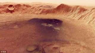 ESA показало марсианский кратер с высоты птичьего полета
