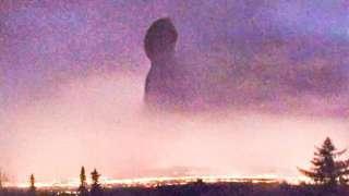 """Над Аляской образовалась гигантская """"замочная скважина"""""""