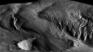 Ученые изучили загадочные следы на Марсе и опровергли версию о разбившемся корабле пришельцев