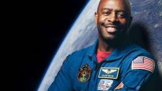 Астронавт NASA Леланд Мелвин рассказал о встрече с инопланетным существом в космосе
