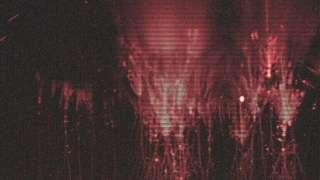 """В Чехии фотограф запечатлел в небе большое скопление """"красных призраков"""""""