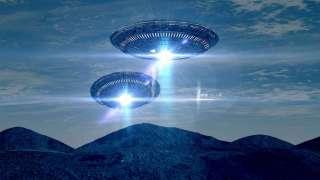 Огромные НЛО, появившиеся из ниоткуда, ошеломили москвичей и попали на видео