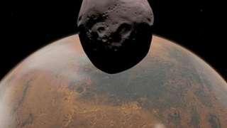 Фобос может быть большим осколком Марса, а не астероидом