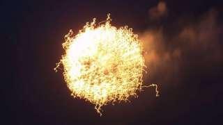 Видео шаровой молнии, которая поразила учёных своим невиданным поведением, стало сенсацией в СМИ