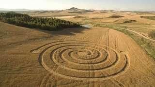 Старинная брошюра доказала, что круги на полях - дело рук пришельцев