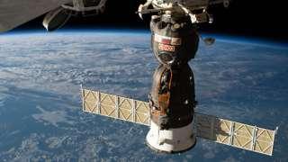 NASA не желает совместно с Россией расследовать появление отверстия в «Союзе»