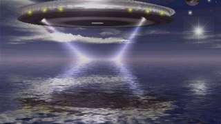 Житель Нидерландов случайно заметил гигантский НЛО возле своего дома, снял его на видео и поразил интернет