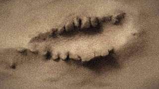 На Марсе нашли ужасное образование, похожее на рот с клыками