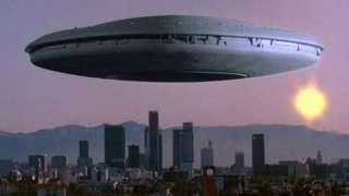 Житель Калифорнии показал НЛО, который снял на видео случайно, и удивил интернет
