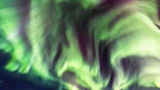Фотография полярного сияния в виде дракона в Исландии поразила Сеть
