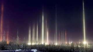 Световые столбы в Мурманской области попали на видео и очаровали пользователей интернета