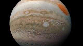 NASA показало захватывающий снимок Юпитера, сделанный с его орбиты