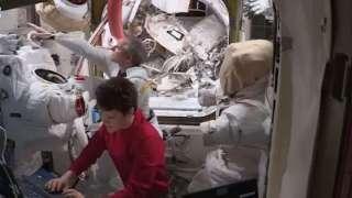 Астронавты на МКС готовятся к очередному выходу в открытый космос