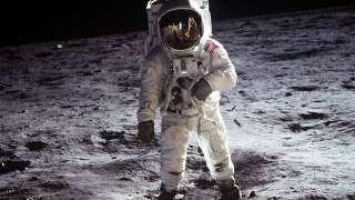 В Вашингтонском музее выставят скафандр, в котором Нил Армстронг высадился на Луне
