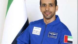 Первый космонавт ОАЭ для полета на МКС выбрал себе комбинезон василькового цвета