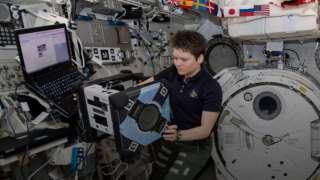 На МКС завершились испытания автоматического летающего робота
