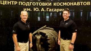 Американские астронавты прошли подготовку в ЦПК перед первым полетом к МКС на корабле Crew Dragon