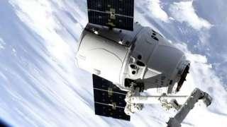 Грузовик Dragon завершил 17-ю миссию к МКС, приводнившись в Тихом океане