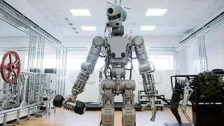 Робот FEDOR не пролез в люк космического корабля из-за слишком широких плеч
