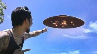 Скотт Уоринг неожиданно заинтересовался роликом, в котором многочисленные НЛО маневрируют над Москвой