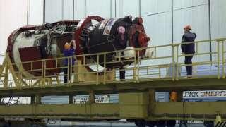На Байконуре заправили готовящийся к полету к МКС «Союз МС-13»